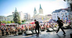 Medzi účinkujúcimi na Staromestských slávnostiach boli Beáta Dubasová, Peter Nagy či kapela Arzén