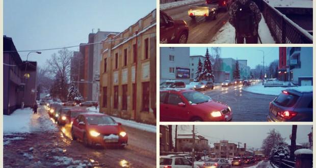 , Husté sneženie v nedeľu môže opäť skomplikovať situáciu aj v našich mestách