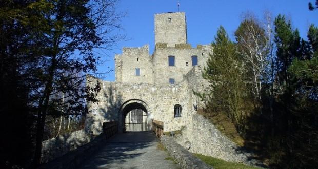 , Na hrade Strečno a Paseke už je sezóna otvorená