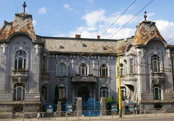 , Rekonštrukciu Rosenfeldovho paláca môžete sledovať on-line