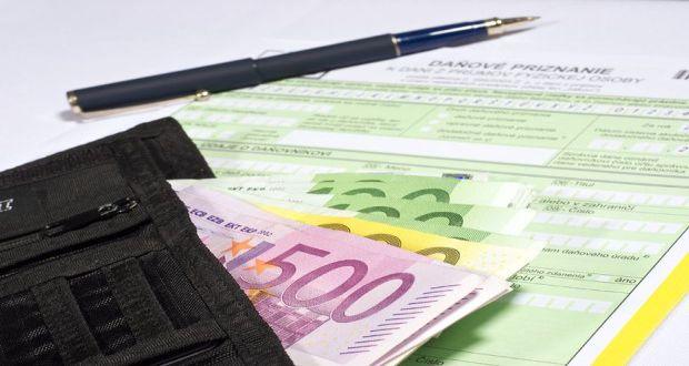 , Finančná správa zaznamenáva z daňových priznaní preplatky