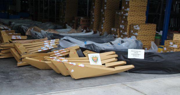 , Colníci v Žilinskom kraji odhalili pašerákov náhradných dielov do automobilov