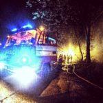 , V noci horela skládka dreva v blízkosti skanzena! Kto je za požiar zodpovedný?