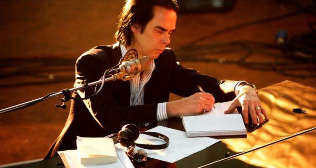 , Nick Cave pokrstí svoj nový album unikátnou svetovou premiérou filmu One More Time With Feeling