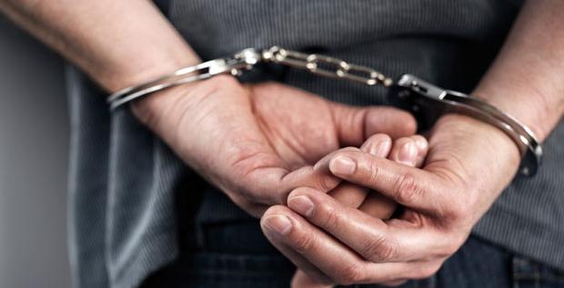 , Polícia chytila násilníka, ktorý napadol a okradol mladú ženu