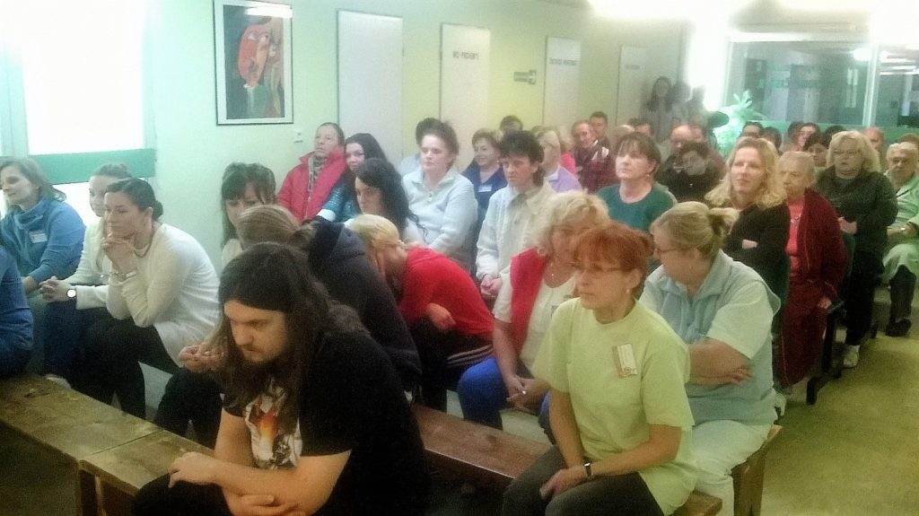 , Študenti konzervatória priniesli vianočnú atmosféru na psychiatrické oddelenie