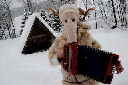 , GENIUS LOCI:  Žilinský festival fašiangových masiek