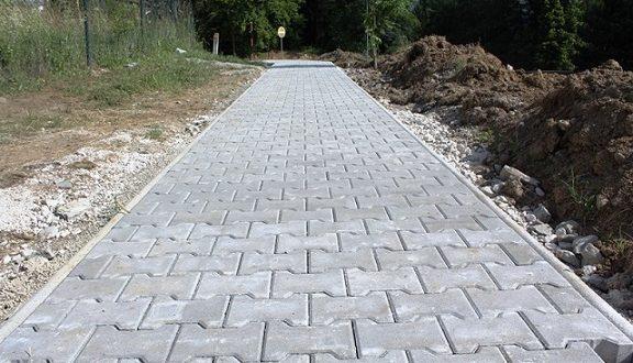 , Výstavbu chodníka na Obvodovej ulici pozastavili námietky združenia