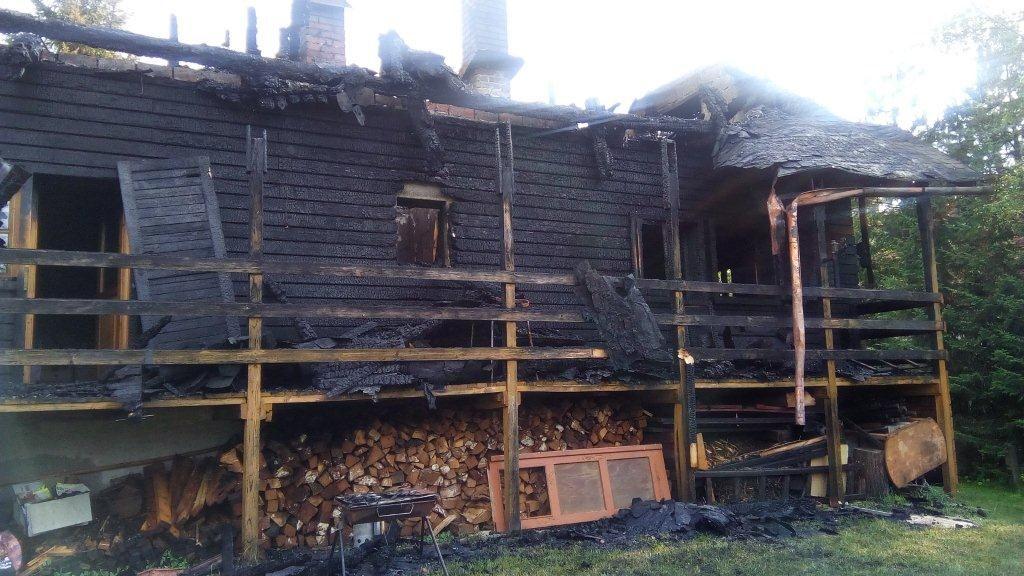 , V Terchovej došlo k tragédii. Po požiari chaty našli mŕtve telá