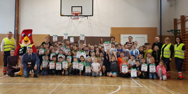 , Deti na školách sa učia zachraňovať životy pomocou defibrilátorov