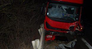 , ZA: Čelnú zrážku neprežil vodič osobného auta