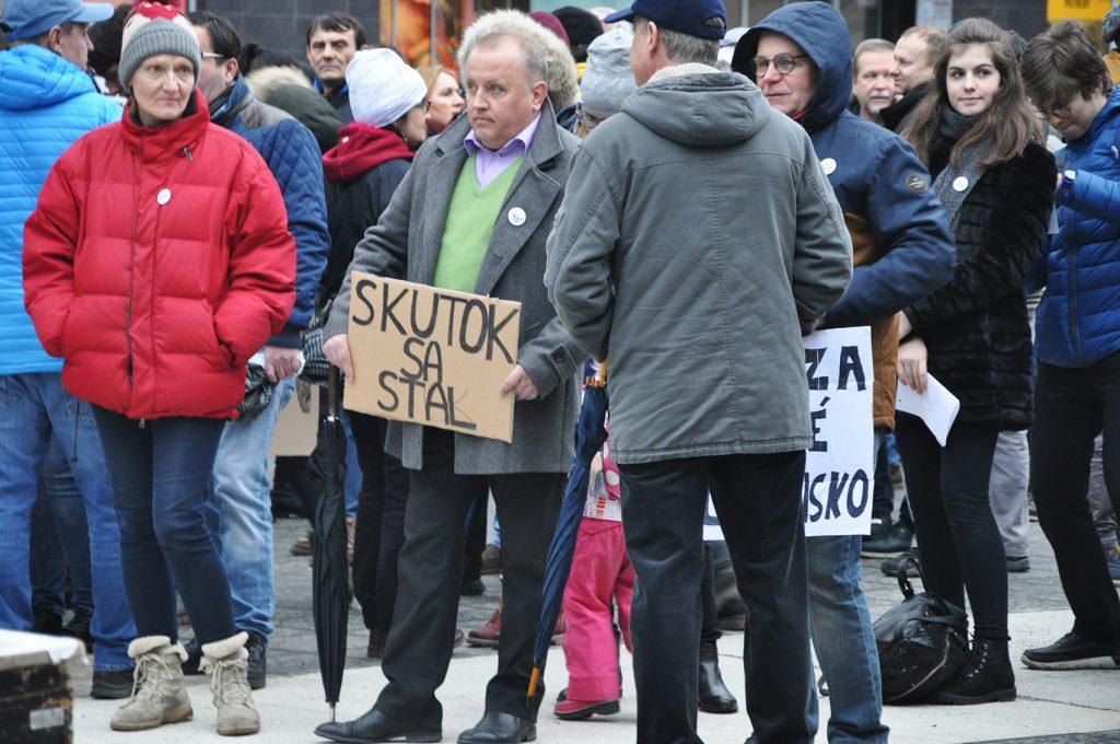 , Ďalšia vlna protestov bude v piatok. Konajú sa aj v Žiline a v Martine