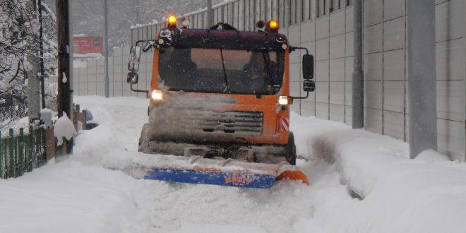 , Žilina nasadila na zimnú údržbu 20 strojov, pomáhajú aj externé  firmy