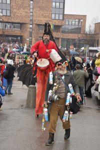 , Žilinské ulice zaplnilo viac ako 500 masiek