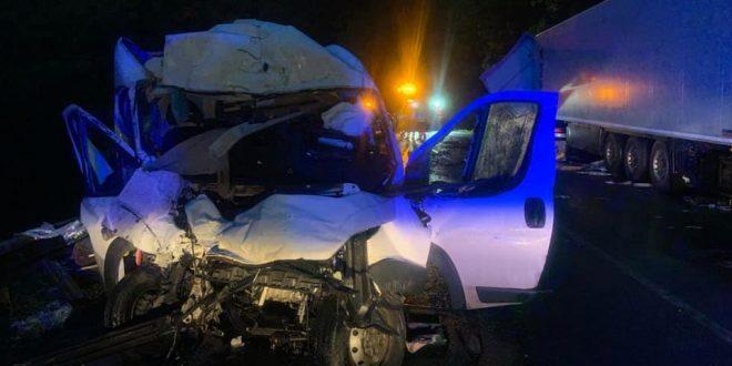 , Nehoda pod Strečnom si vyžiadala dvoch zranených