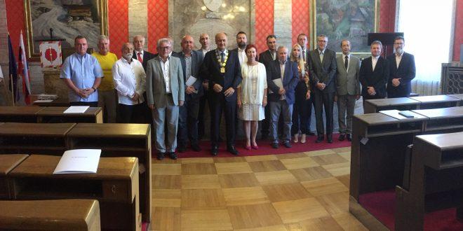 , Primátorovi Ružomberka bude pomáhať Zbor poradcov, ambasádorov, právnici aj bývalí primátori