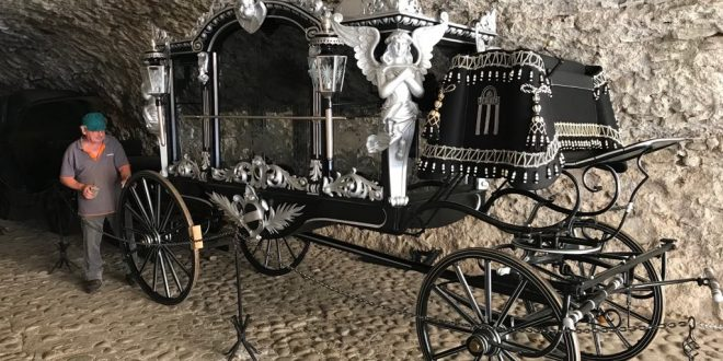 , Oravské múzeum zreštauruje historický pohrebný koč