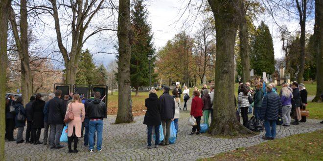 , Z Národného cintorína v Martine zmizli informačné tabule