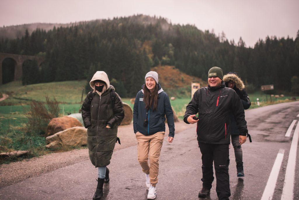 Barbora Piešová vydáva nový singel a video s názvom Vesmír z jej debutového  albumu Som flegmatik, ale optimista | Rádio Rebeca