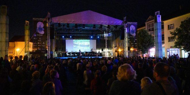 , Festival Dotyky a spojenia sa tento tok presúva z júna na september
